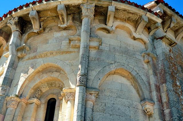 143 - Detalle Abside - Ermita Purísima Concepción - San Vicentejo (Condado Treviño - Burgos) - Spain.