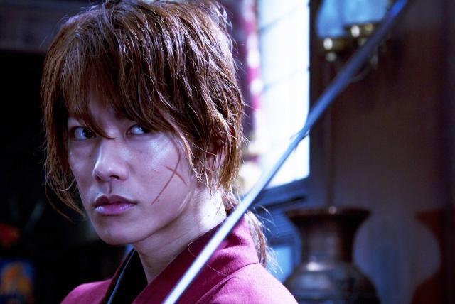 111203(4) - 真人版電影《神劍闖江湖》正式發表第一批場面劇照集,並敲定2012/8/25上映!