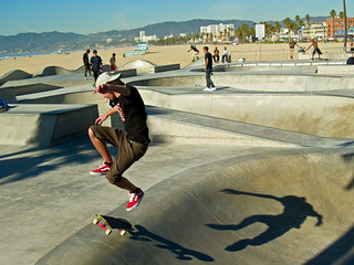 Skateboarder and shadow | by majunznk