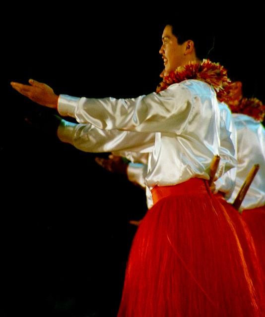 Dancer with pūʻili (n0082200)