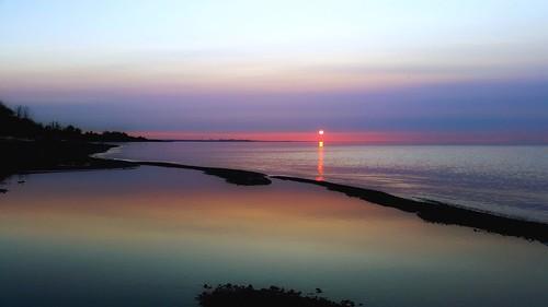 life sky toronto ontario canada nature water beauty sunrise outdoors glow shine purple shoreline peaceful running lakeshore scarborough bliss shining luminous shimmer rapturing