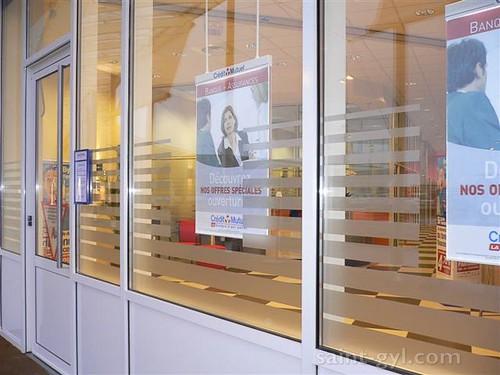 porte-affiche extra-plat lumineux suspendu par tubes 060