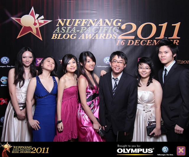 L-R: Me, Celine, Bendan, Jiayeen, Jayren, Michelle and Henry Tan :D