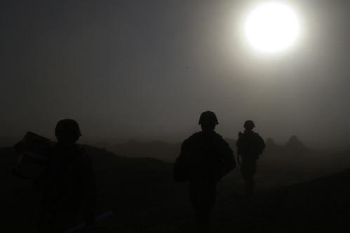 christmas sunset afghanistan soldier 4id kandahar 2bct warhorse 4thinfantrydivision 2ndbrigadecombatteam fobpacemaker