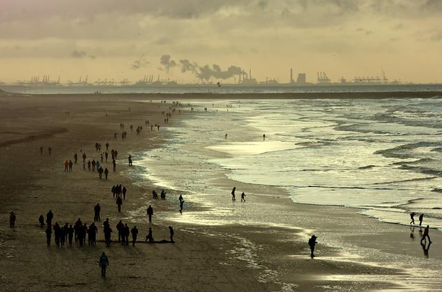 INDUSRIAL BEACH