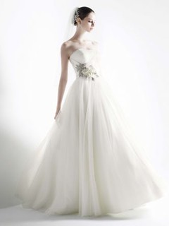 2012-wedding-dress-oleg-cassini-bridal-gowns-cwg322__teaser | by zoe.wang