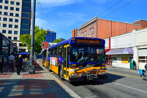 King County Metro 1998-1999 New Flyer D60HF 2399