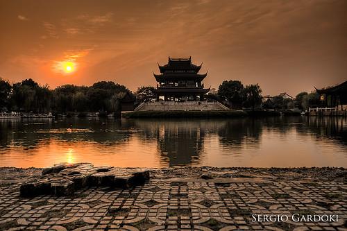 china sunset lake water garden landscape lago atardecer pagoda agua jardín