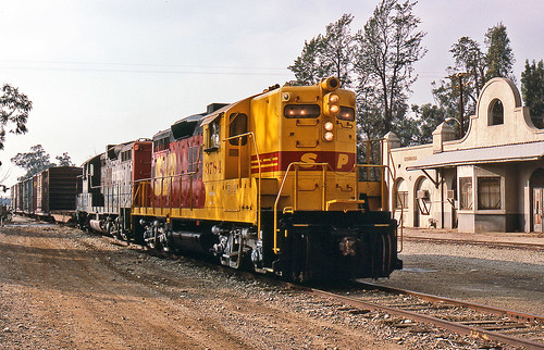 california trains southernpacific gp9 pacificelectric spsf etiwanda