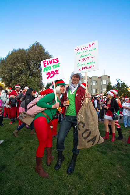 Santacon 2011: Elves are the 99%