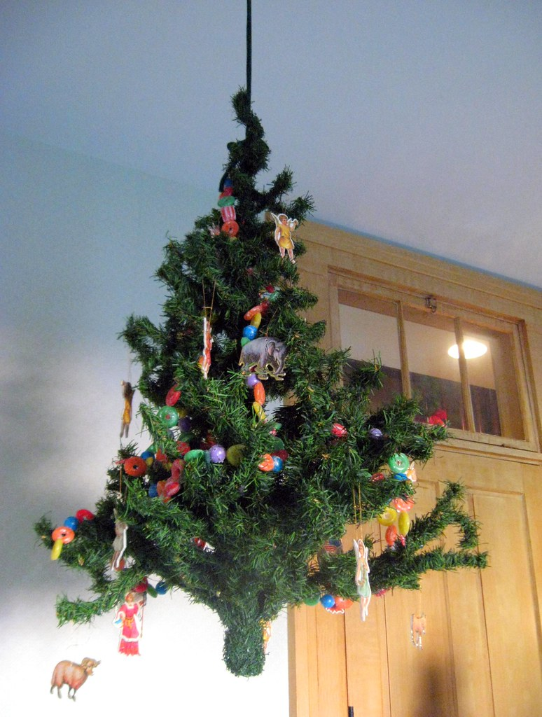 How To Keep Cats Away From Christmas Tree.How To Keep Cats Out Of The Christmas Tree This Christmas