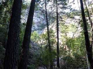 Remontée du Velacu : en vue du virage à droite de la cascade de 30m