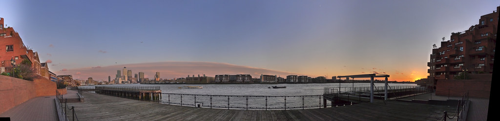 111228_thames_wapping_sunset
