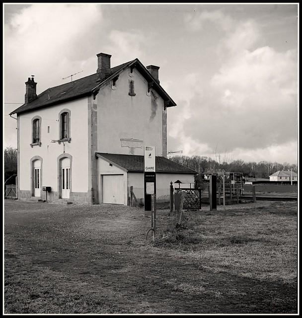 Montaigut Station (2)
