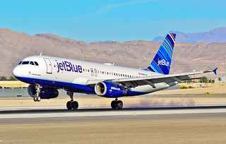 "N585JB JetBlue Airways  2004 Airbus A320-232 C/N 2159 ""I Got Blue Babe"" 