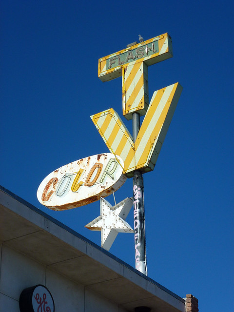 Tucson, AZ Flash TV neon sign