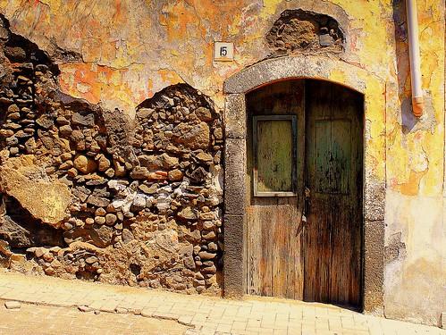 door porte porta frontdoor entrée entrata cadenas padlock wall mur riposto sicily sicilia italy italie italia niceshot mygearandme ringexcellence