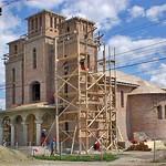 Der Bau der orthodoxen Kirche schreitet voran. Er wird dem Dorf eine neue Silhouette verpassen, geplant war er seit Jahrzehnten. Des Weiteren gibt es im heutigen Billed eine baptistische- und eine pentikostalische Kirche. Foto: Werner Gilde