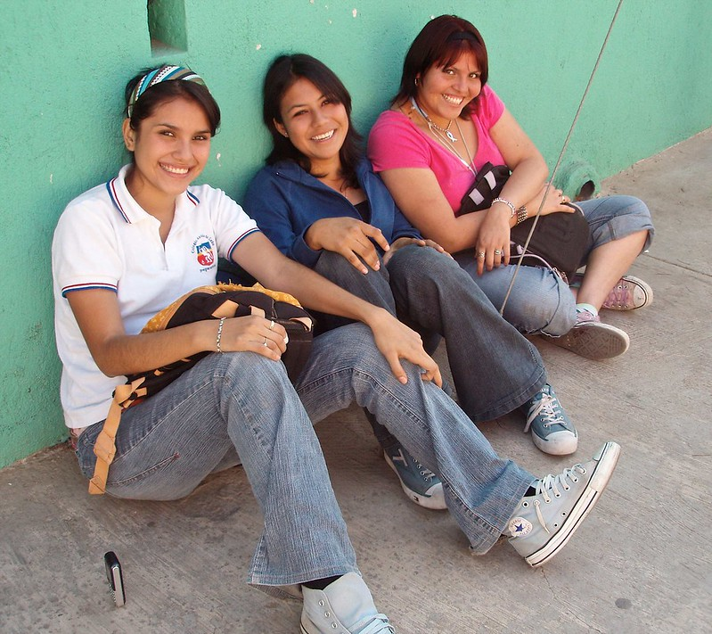 Fluidr Pretty Girls On A Corner Muchachas Bonitas En Una
