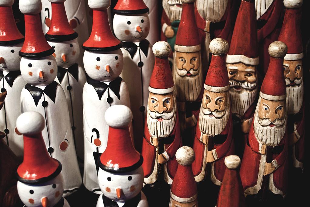 holz schneemann und der weihnachtsmann christkindlmarkt l. Black Bedroom Furniture Sets. Home Design Ideas