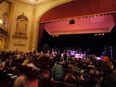 土, 2010-10-23 20:02 - The Richard Thompson Band at Town Hall (123 W 43rd St)