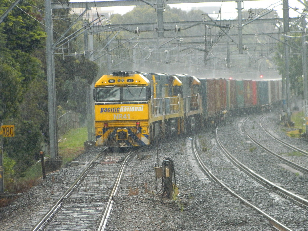 4BS6 in the rain Concord West by Roy
