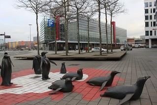 Pinguine Bronze- von Peter Kallfels 2004