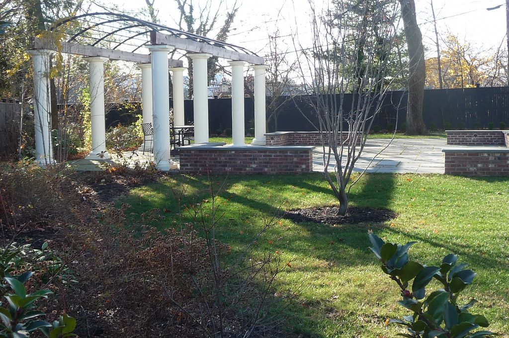 Larchwood - Private garden, Cambridge, MA