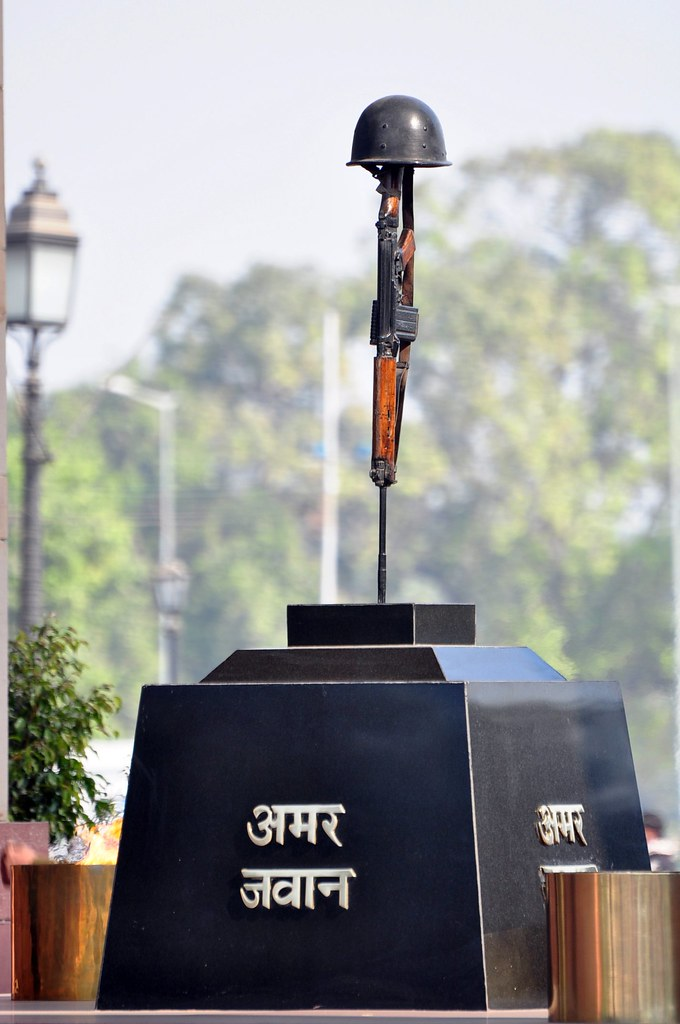 Amar Jawan Jyoti It Is A Prominent Landmark In Delhi And