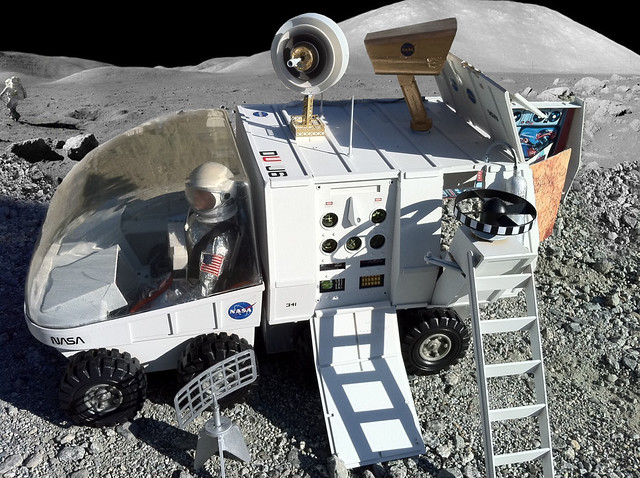 NASA Mobile Support Vehicle on THE MOON!!!