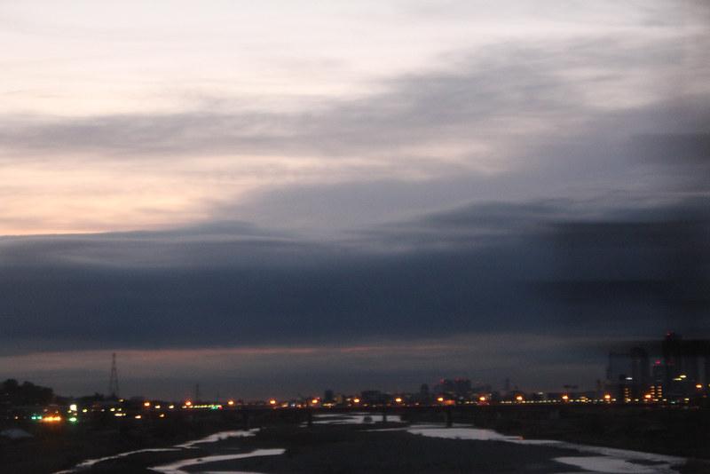 多摩川からの夜明け