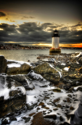 winter light lighthouse snow cold clouds photoshop ma rust pentax cloudy massachusetts newengland rusty freezing dreamy salem hdr k5 fortpickering winterisland photomatix tonemapped trigphotography frankcgrace