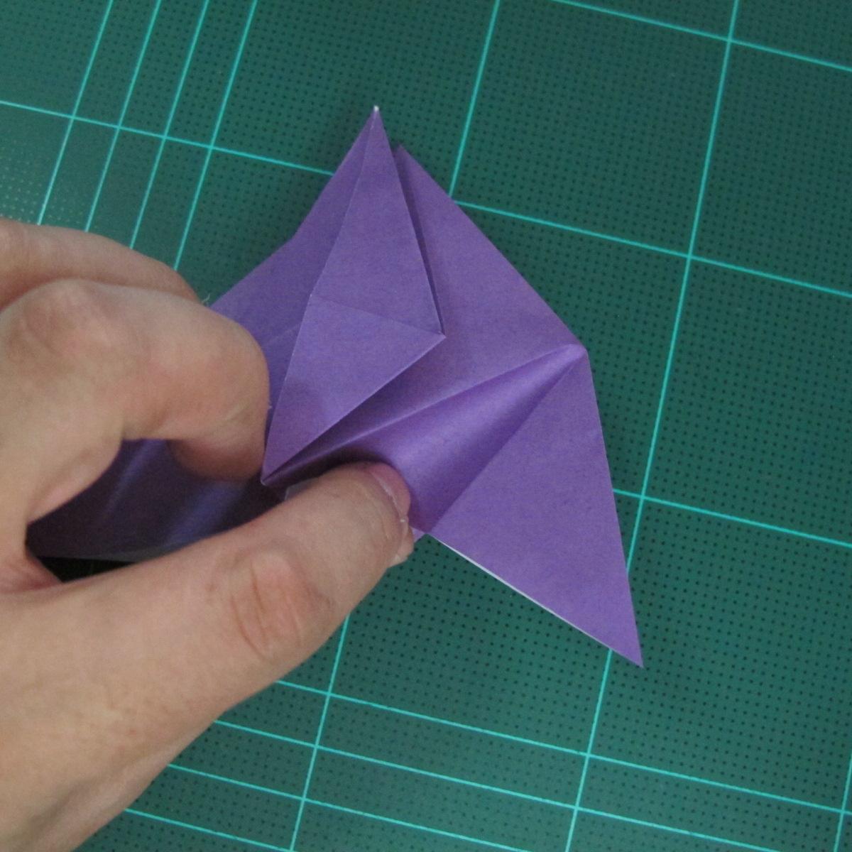 การพับกระดาษเป็นฐานนกอินทรี (Origami Eagle) 018