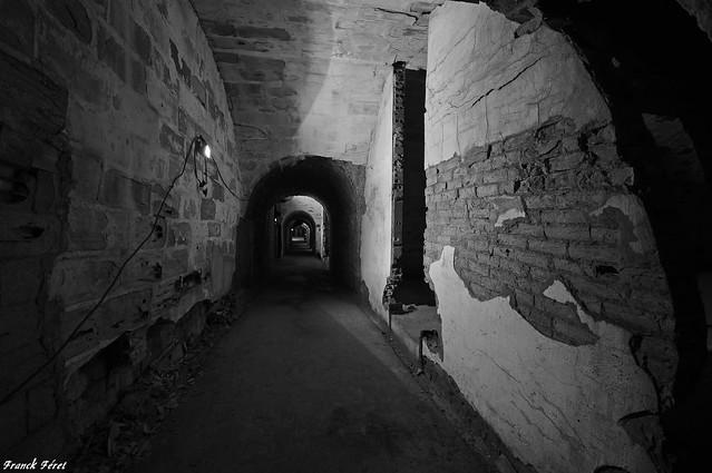 Galerie menant aux chambres - Fort de Pugey