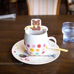 CAFE_FLORESTA,HELLO_KITTY_CAFE, SHIMA_TAMURA,TAMURA,SHIMA_ONSEN,JP / かふぇふろれすた・はろうきてぃ、たむらオリジナルのハローキティのお出迎え、袴スタイルと和モダンの着物スタイル、 四万の四季を彩る花(さくら・つばき・ゆり・うめ・しゃくやくなど)をモチーフ、四万グランドホテル1F