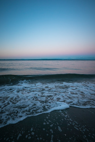 seattle beach sunrise washington sand waves shoreline shore pacificnorthwest pugetsound ballard goldengardens shilsholebay a7s fe1635mmf4
