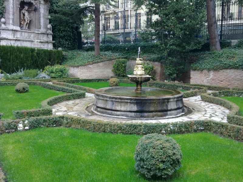 Jardín de la Casa Cervantes en Valladolid 9