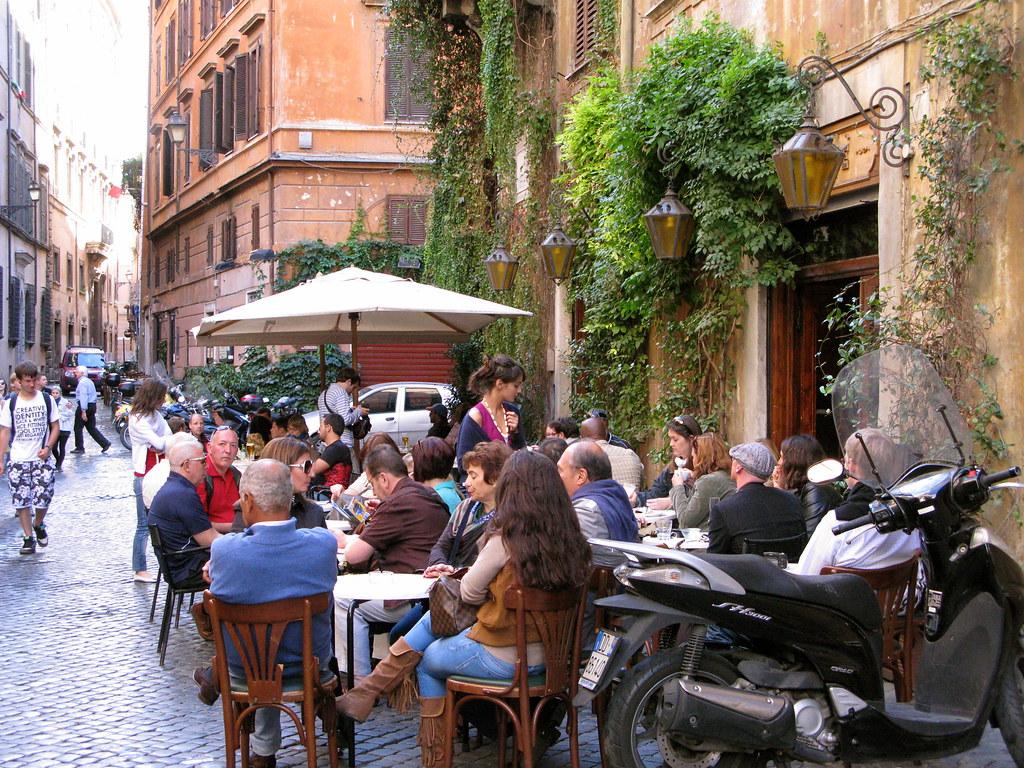 Cenar en el Trastevere en Roma