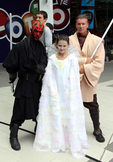 Queen Amidala with Darth Maul & Obi-Wan
