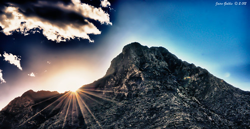 sunset panorama españa contraluz landscape atardecer paisaje alicante hdr day35 backlighting 2012 panorámica callosadesegura callosa nikond90 jairogalbis nikkor18105mmf3556gedafsvrdx 366momentos