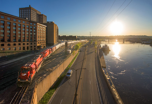 road minnesota sunrise river downtown stpaul mississippiriver canadianpacific cp barge emd stpaulminnesota robertstreet sd60 cp6257 cpsd60 cpsd30eco cp5049 emdsd30eco