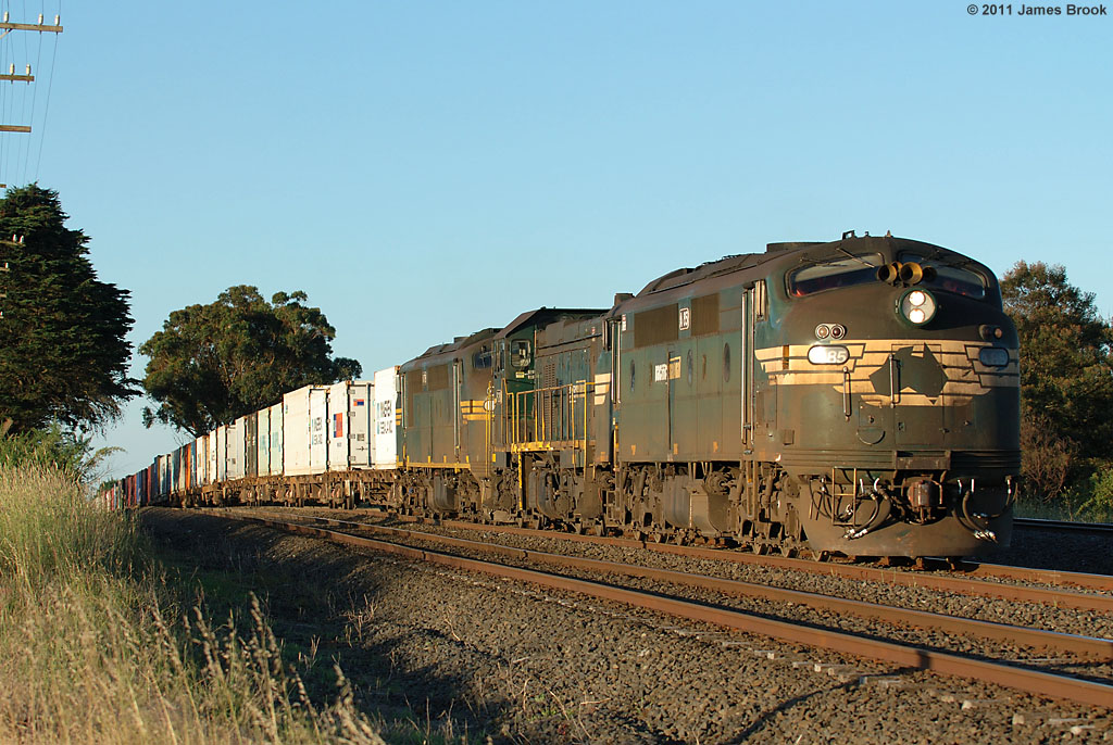 A85, P20 and A78 with 9306 at Beveridge by James Brook