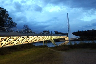 Sundial Bridge | by Prayitno / Thank you for (12 millions +) view
