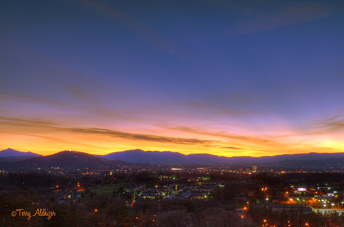 city light two sky mountains clouds landscape star twilight cityscape low roanoke valley terry hdr aldhizer terryaldhizercom