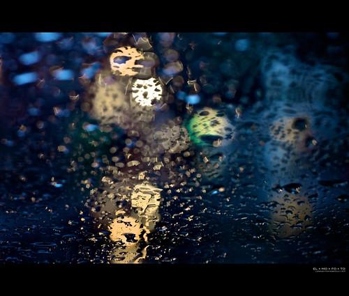 california white abstract water car rain weather northerncalifornia yellow 50mm lights evening bokeh fav20 symmetry raindrops intersection norcal windshield 1000v fav10 afsnikkor50mmf14g elmofoto btaws lorenzomontezemolo flickrmarketplace flickrlicensing