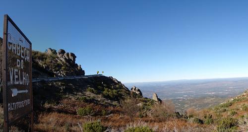 mountain portugal montagne sierra serra montanha serradaestrela cabeçadovelho