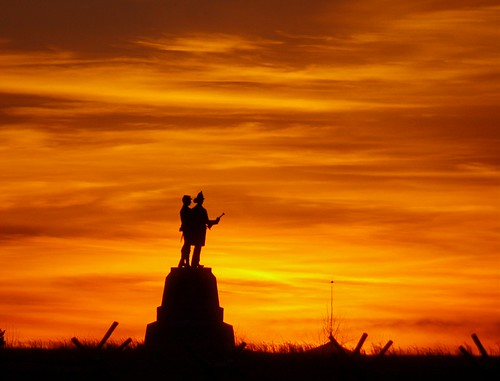 winter sky monument bright explore pa gettysburg gnmp cielofuego magicalskies