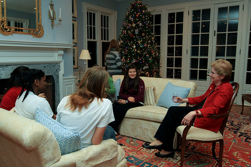 President Hosts Study Break at Bryn Mawr