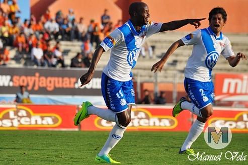 DSC_0210 El Puebla FC con consiguió su primer triunfo de la temporada al vencer 1-0 a los Jaguares de Chiapas J4 TC2012 Estadio Zoque por Mv Fotografía Profesional / www.pueblaexpres.com