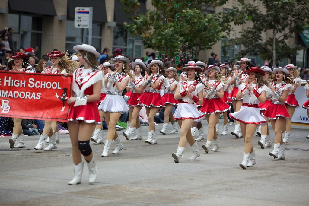 Brahmadoras of Bellville HS | HEB Holiday Parade | Bill